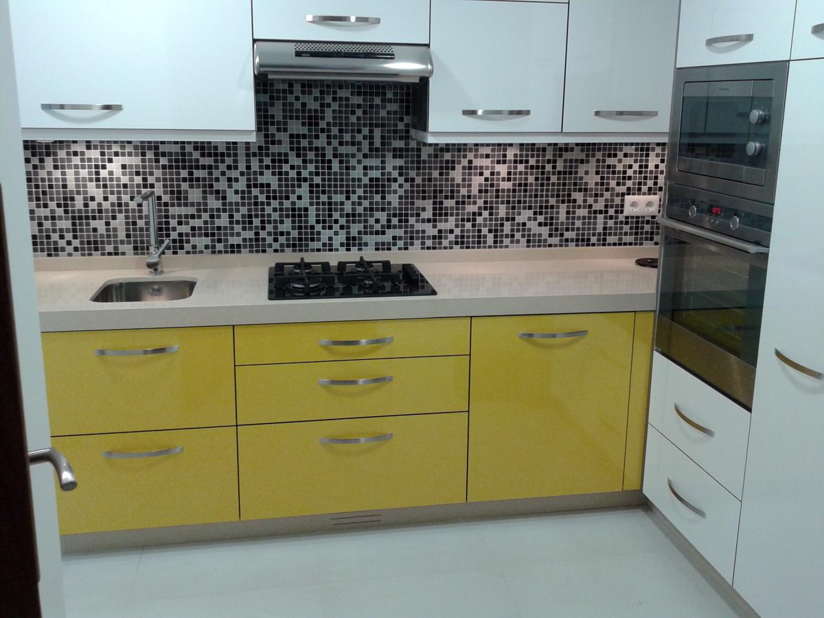 Foto reforma de cocina en calle culleredo sada de for Muebles gundin sada