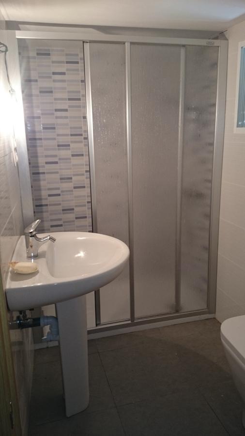 Foto reforma de cuarto de ba o de construcciones hermanos - Reformar cuarto de bano ...