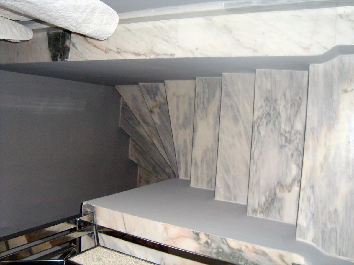 Foto reforma de escaleras interiores y revestidas en - Reforma de interiores ...