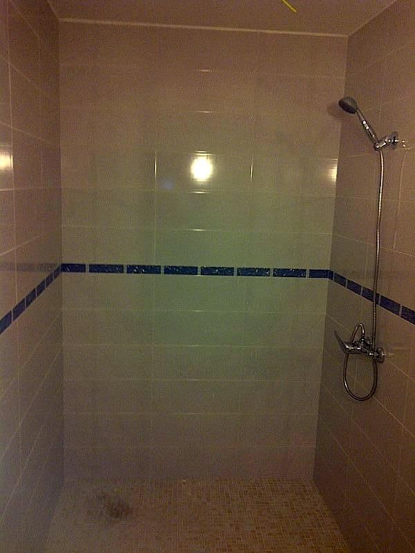 Reforma Baño A Ducha:Foto: Reforma Integral Baño, Badosas Suelo y Paredes, Plato Ducha de