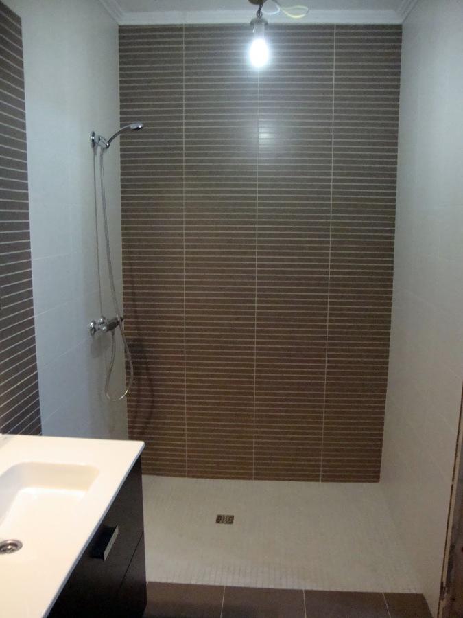 Foto reforma integral cuarto de ba o de construcciones - Reforma cuarto de bano pequeno ...