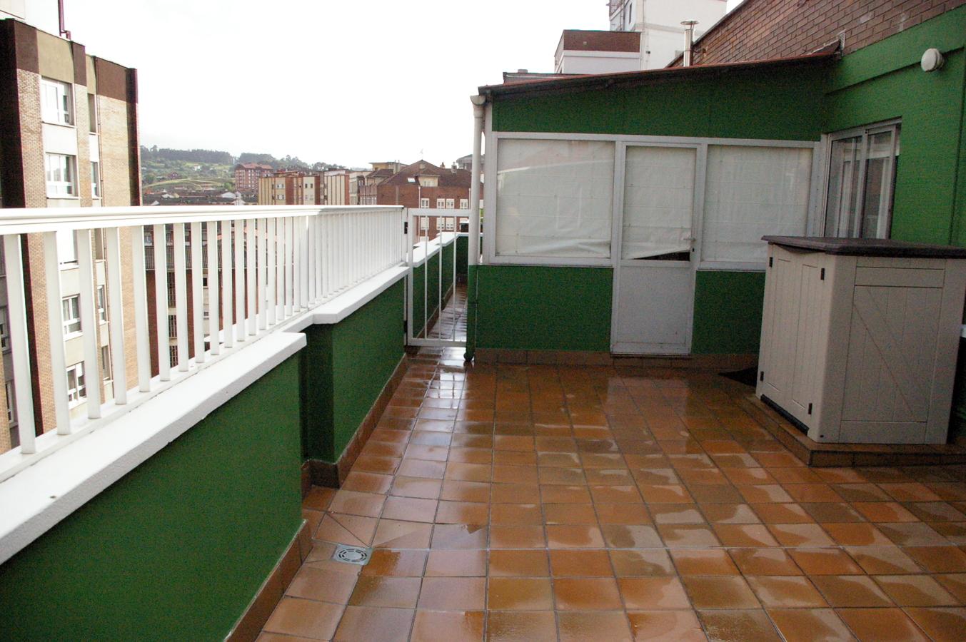 Foto reforma terraza en atico de corema construcciones - Techar terraza atico ...
