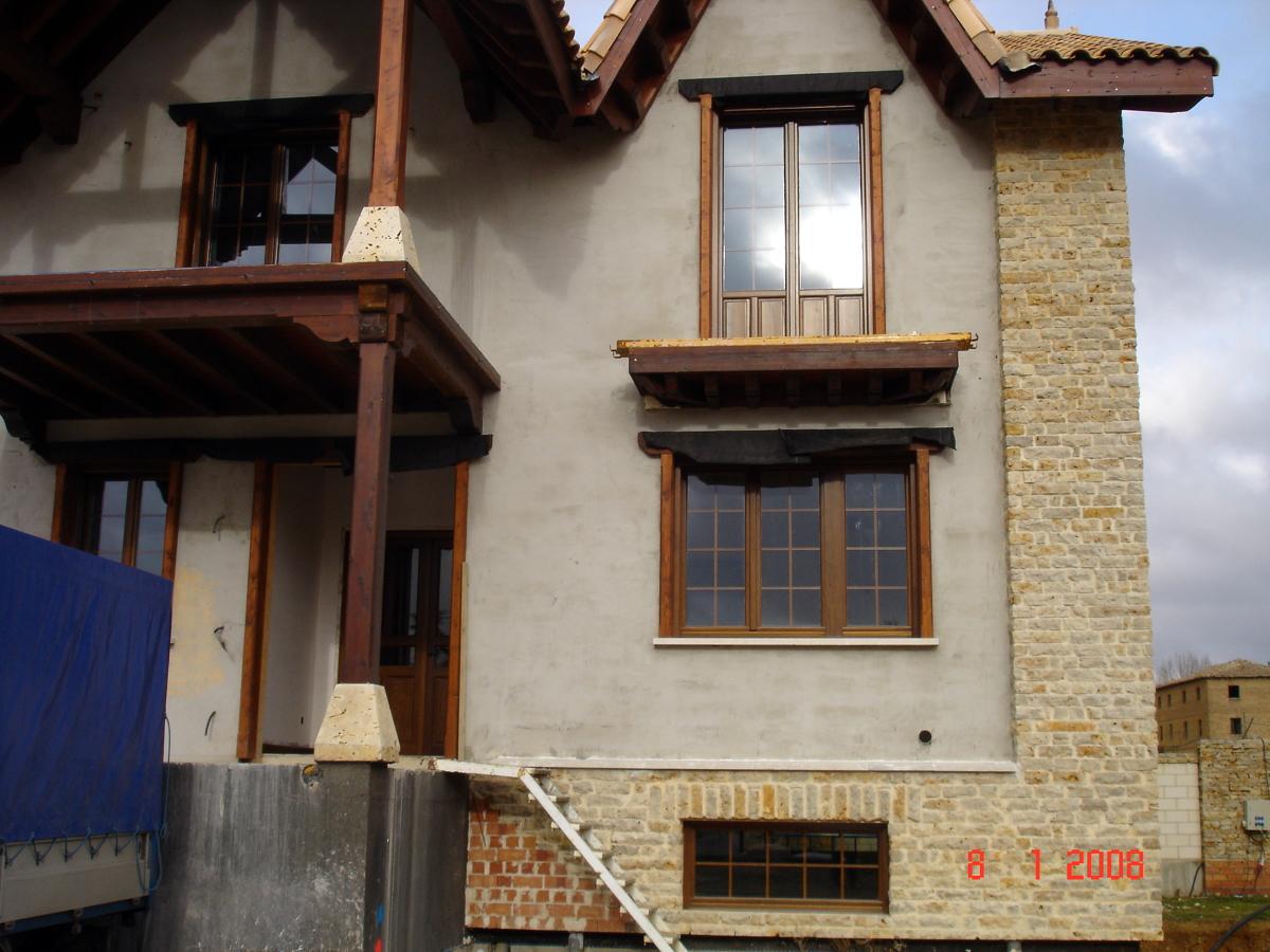 Casa de este alojamiento ventanas de madera en madrid - Ventanas de madera madrid ...