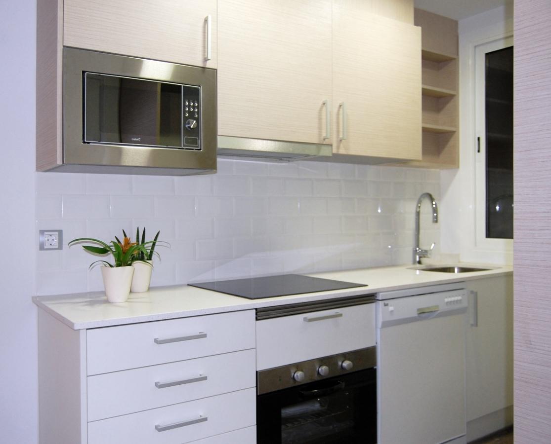 Foto reformas de cocinas barcelona de intdecor grup - Reformas cocinas sevilla ...