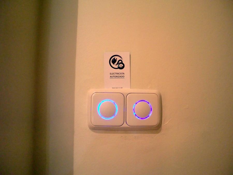 Regulador tacto luz