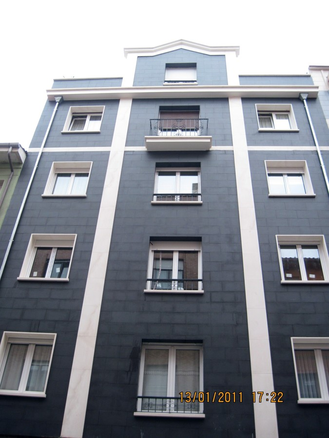 Rehabilitacion de fachada en Gijon CL: San Rafael.