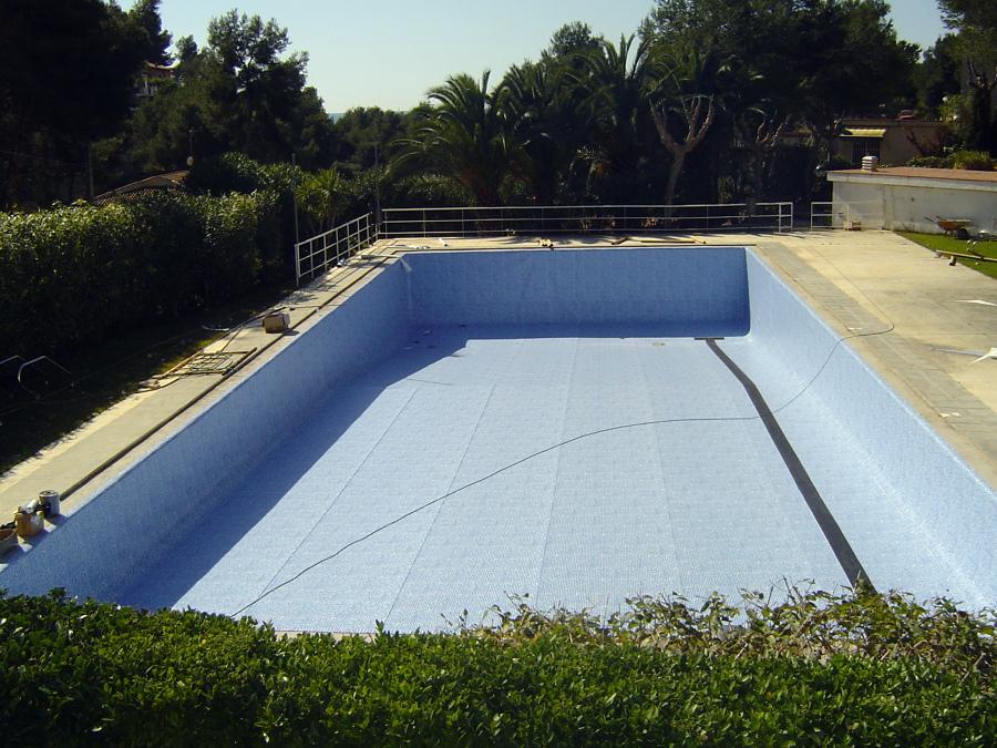 Foto rehabilitacion piscina comunitaria con liner armado for Rehabilitacion en piscina