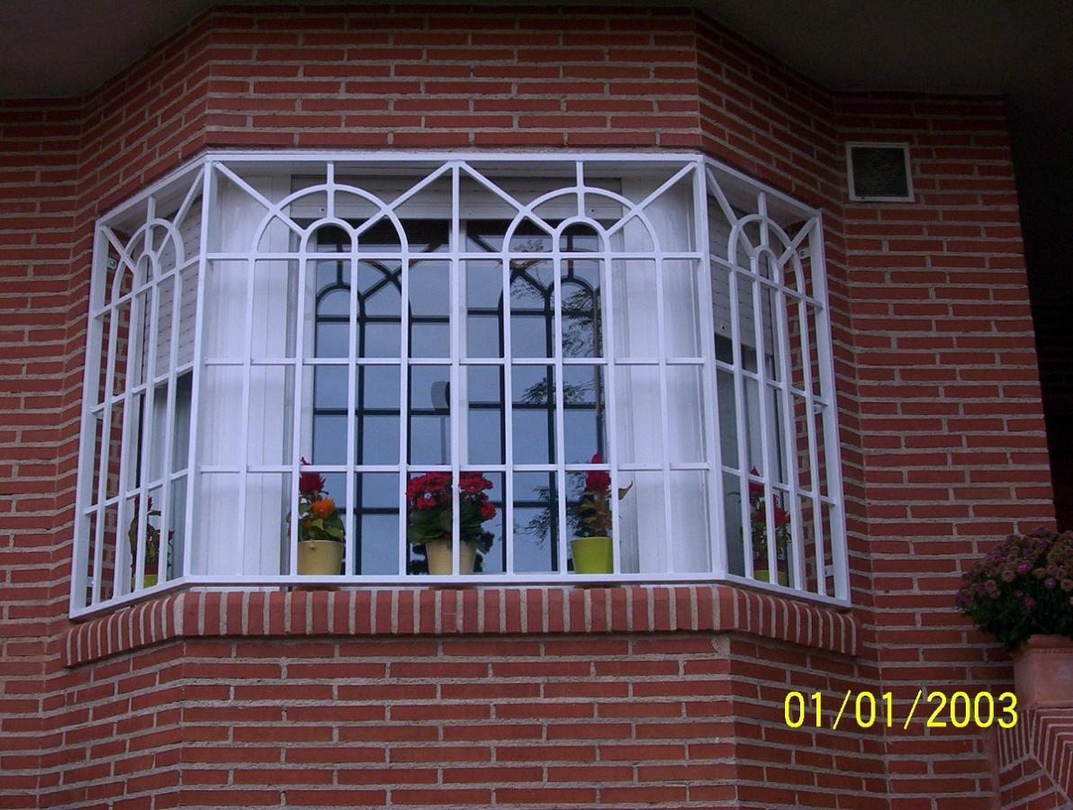 Foto rejas estilo ingles de alvarado talleres metalicos s l 277085 habitissimo - Proteccion para casas ...