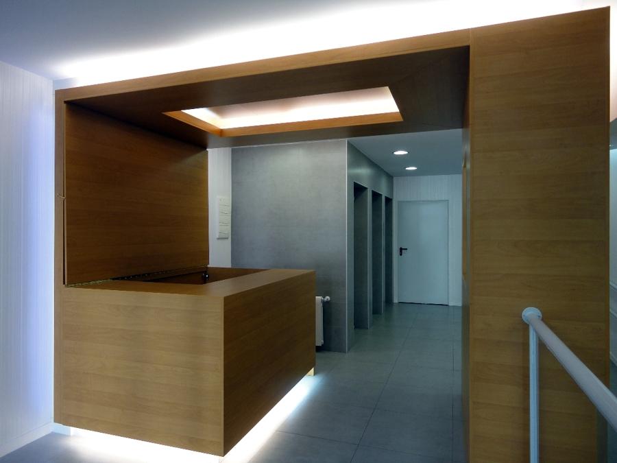 Remodelación de acceso a edificio de oficinas