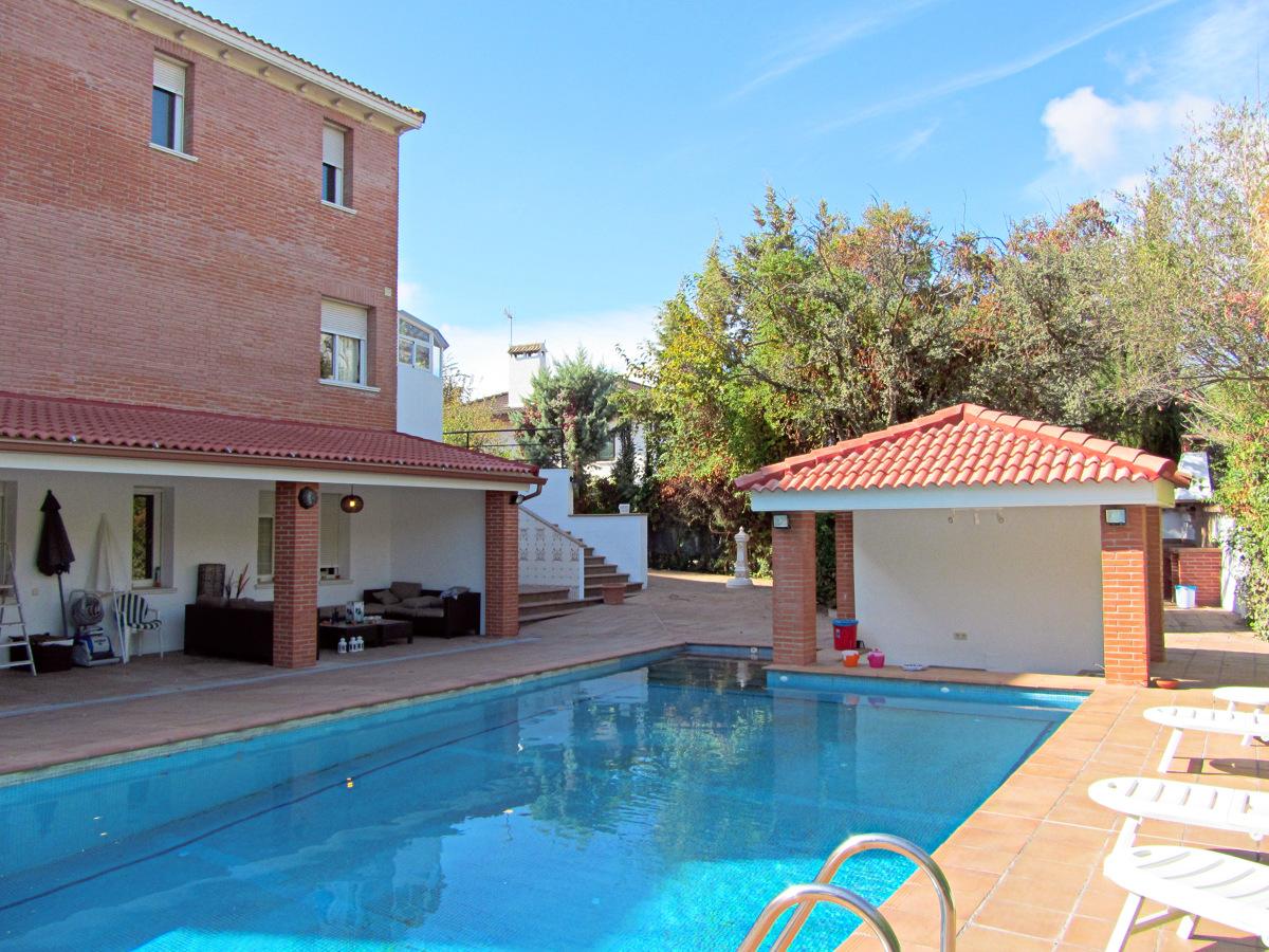 Foto remodelaci n piscina villanueva de la ca ada de for Piscina villanueva de la canada