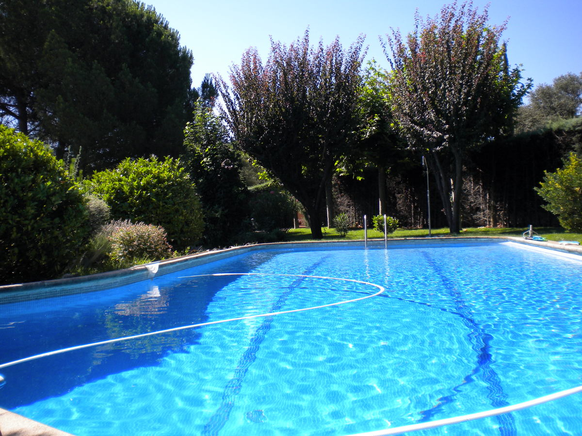 Foto reparacion completa de piscina de nertokan for Reparacion piscinas barcelona