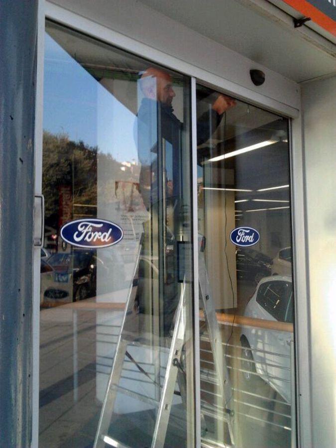 Reparación e instalación puertas vidrio