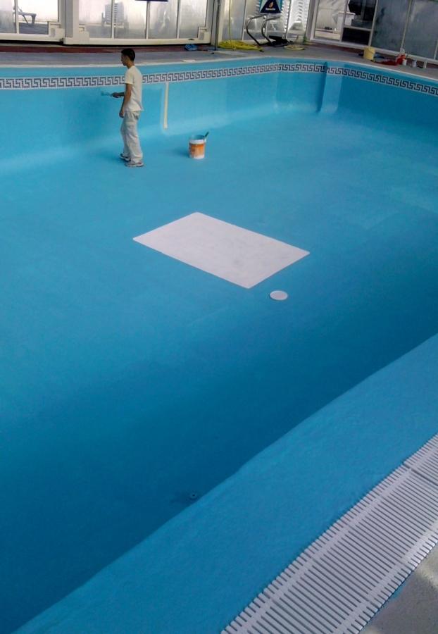 Foto reparacion y pintado de piscina de pintores j casado for Pintado de piscinas