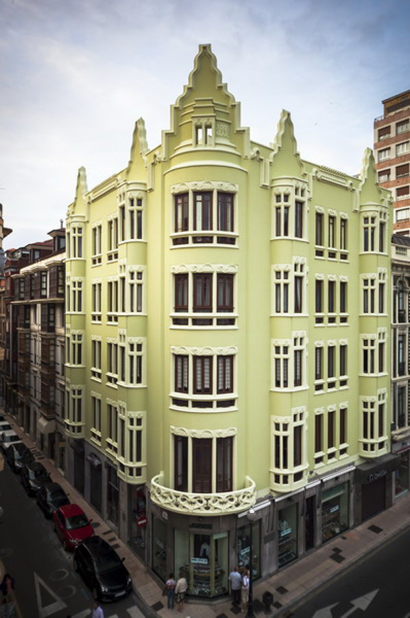 Restauración de fachadas edificio modernista. Cl. La Merced, 27 - Gijón (Asturias)
