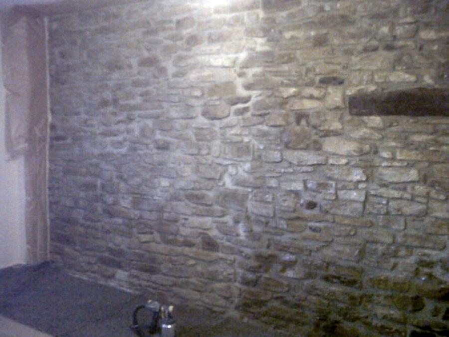 Foto restauraci n pared piedra interior vivienda en - Pared piedra interior ...