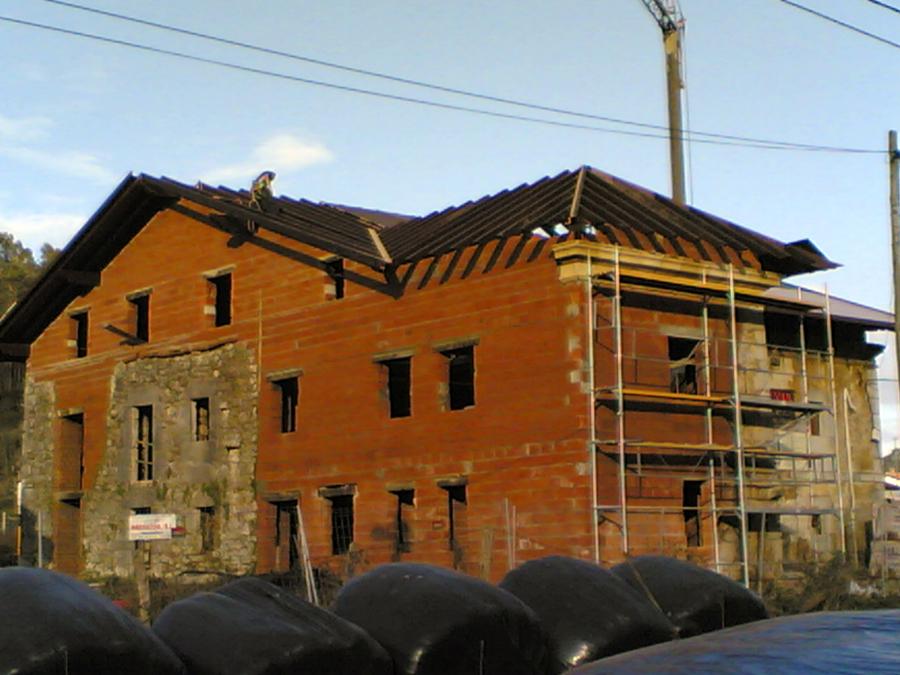 Restauración tejado y fachada con termoarcilla