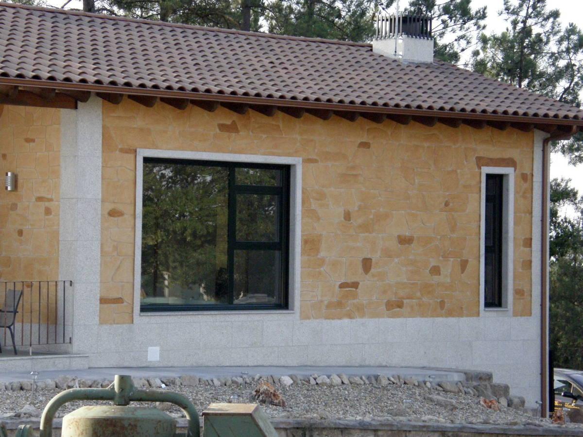 Foto revestimiento con monocapa impreso de fachadas j for Zocalos de fachadas fotos
