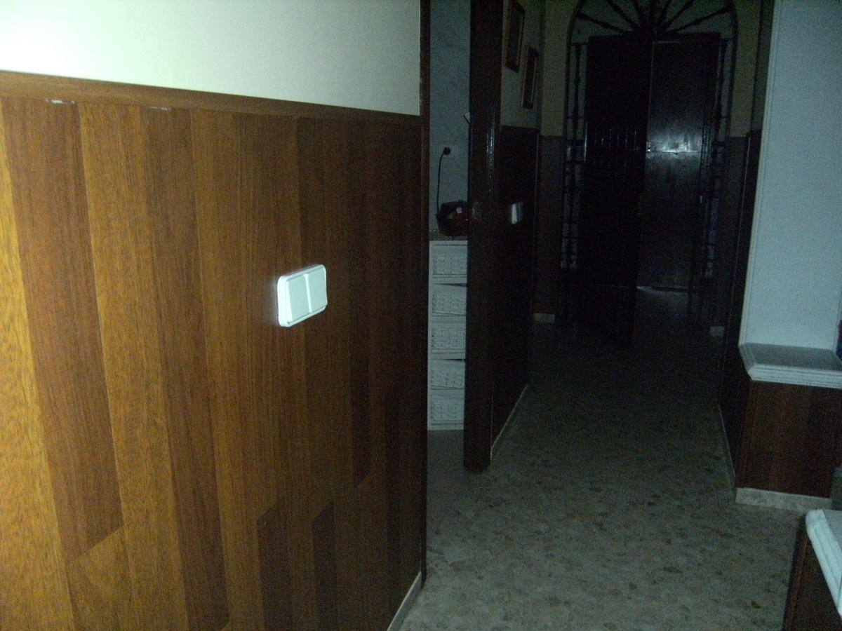 Foto revestimiento de paredes con frisos de jlparquet for Suelos laminados valladolid