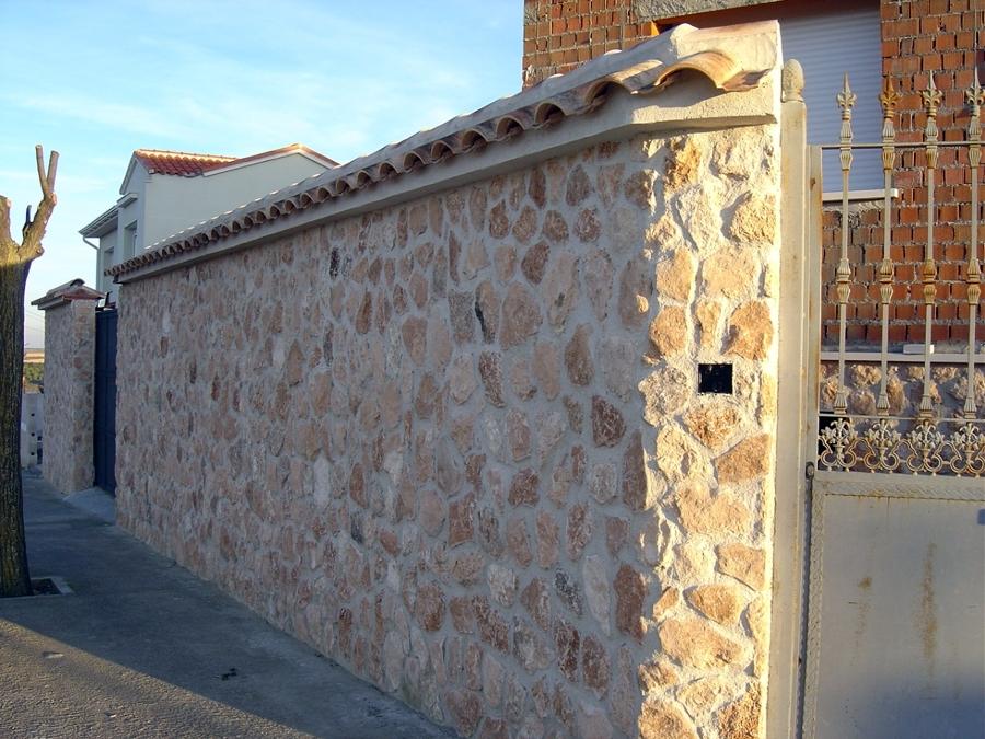 Revestimiento de lajas piedra en muros vallado exteriores - Lajas de piedra ...