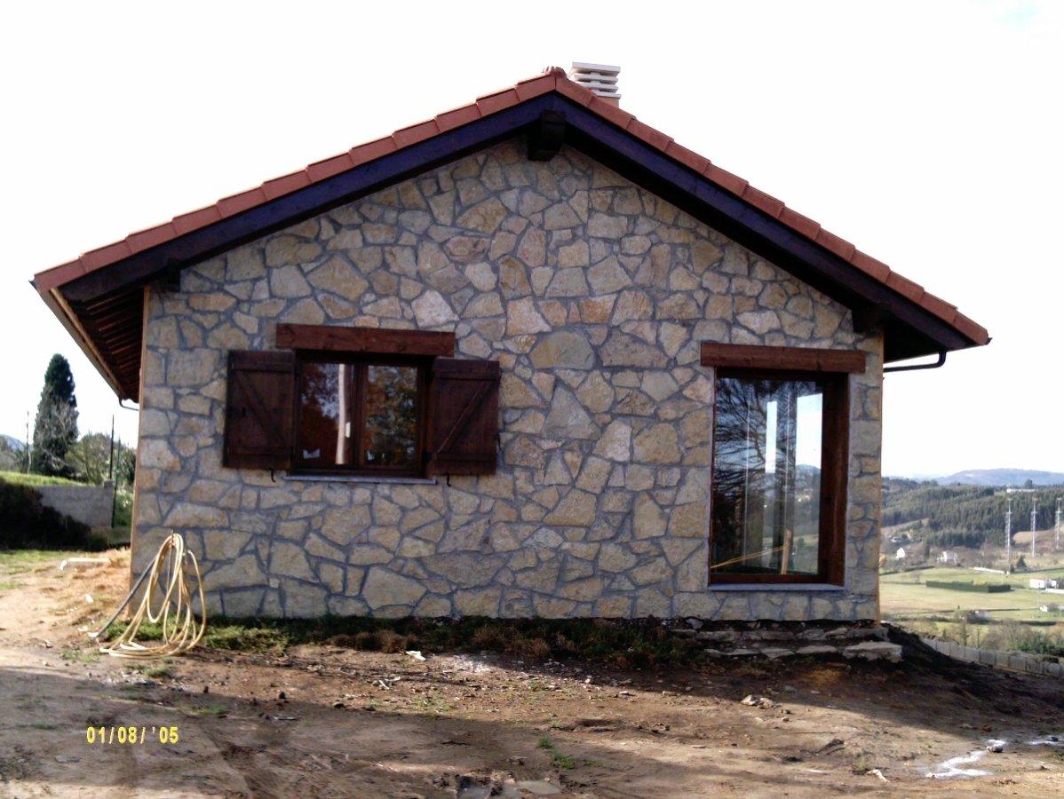Foto revestimiento de piedra de construciones ferreiro y for Revestimiento de piedra para banos