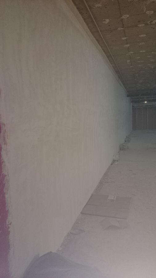 revestimiento de yeso en paredes.