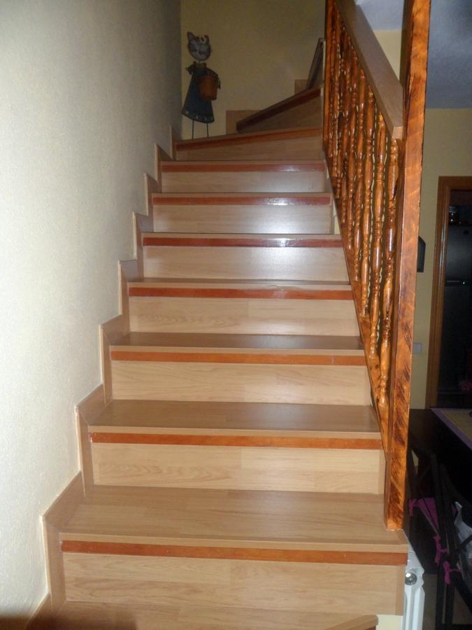 Foto revestimiento escalera de reformas jorge 261674 - Revestimiento para escaleras ...