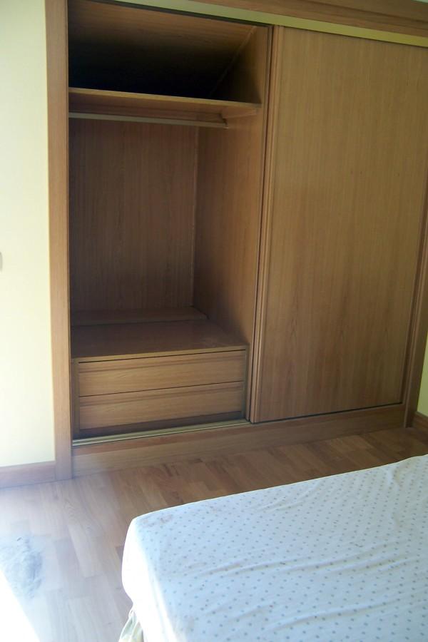 Foto revestimiento interior de armario de la alacena for Planchas para revestimiento interior
