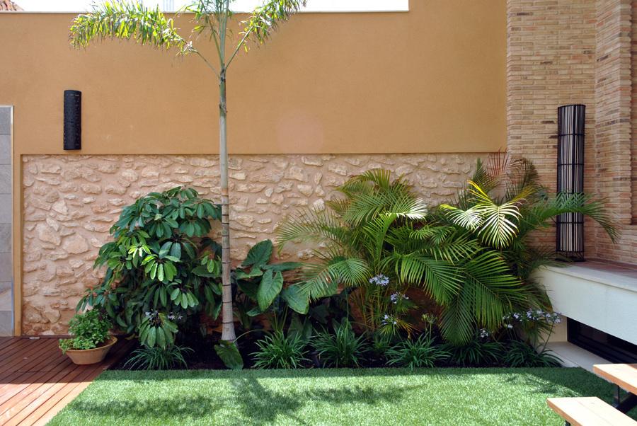 Foto rinc n tropical en terraza de david jimenez for Diseno jardin interior
