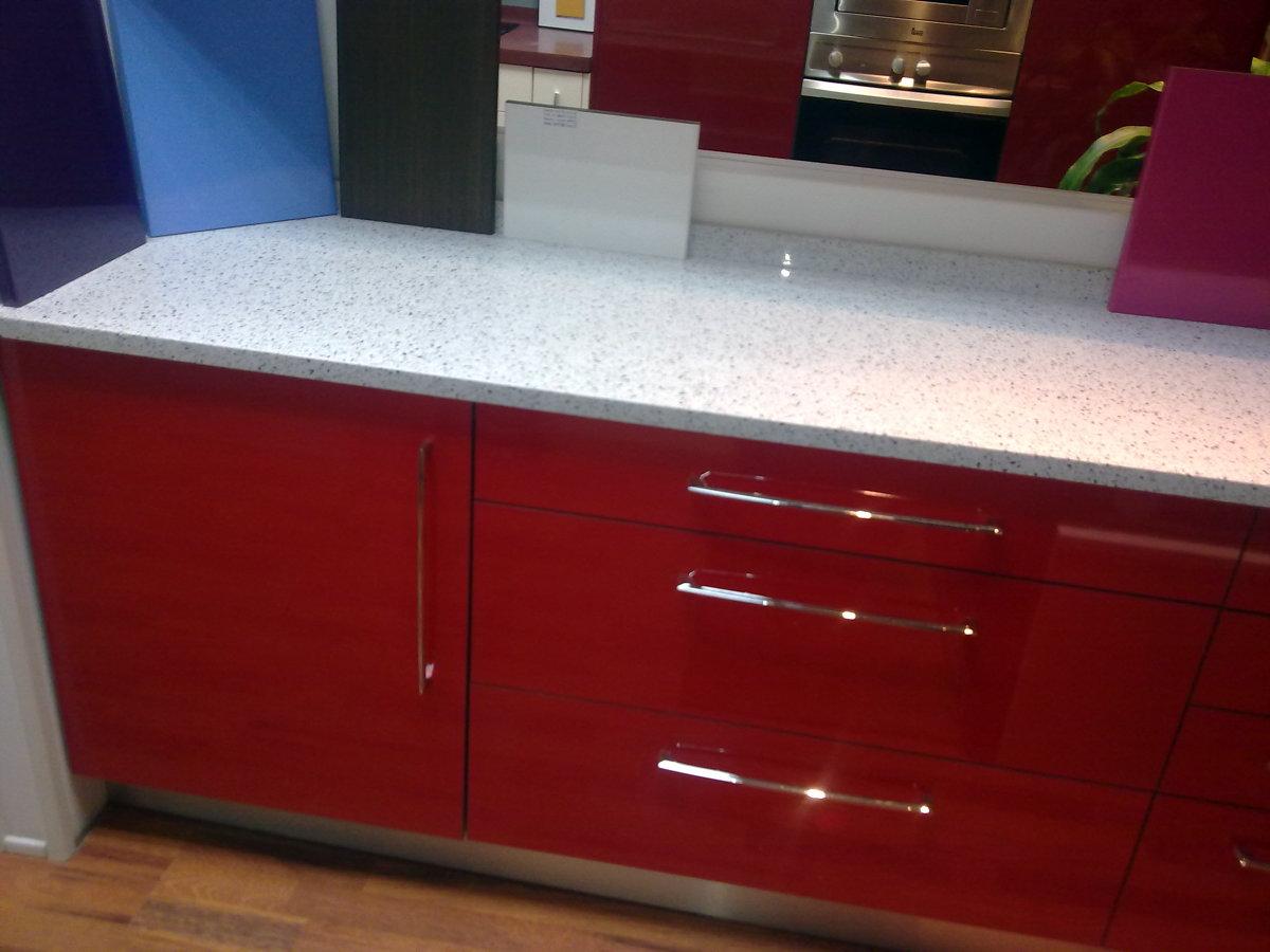 Foto roja de reformas y mueble de cocina agole s l for Muebles de cocina huesca