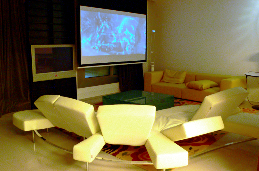foto salon con home cinema incluido de smart business 407029 habitissimo. Black Bedroom Furniture Sets. Home Design Ideas