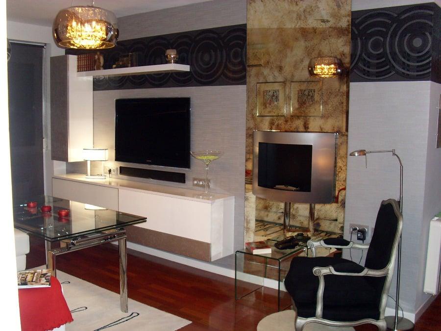Foto sal n moderno con chimenea de mil tendencias 139453 - Chimeneas decoracion modernas ...
