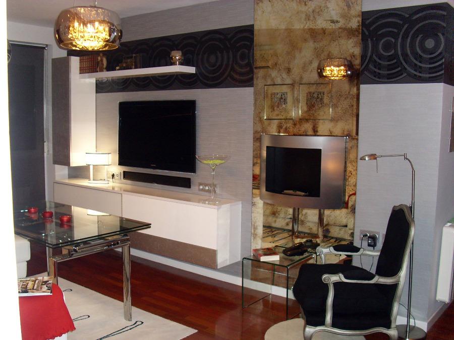 Foto sal n moderno con chimenea de mil tendencias 139453 - Decoracion de salones con chimenea ...
