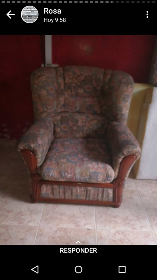 Sofá tapizado en tela clasica