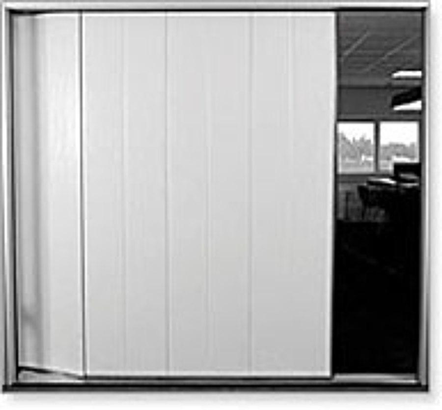 Foto puerta seccional apertura lateral de degaraje for Apertura puertas