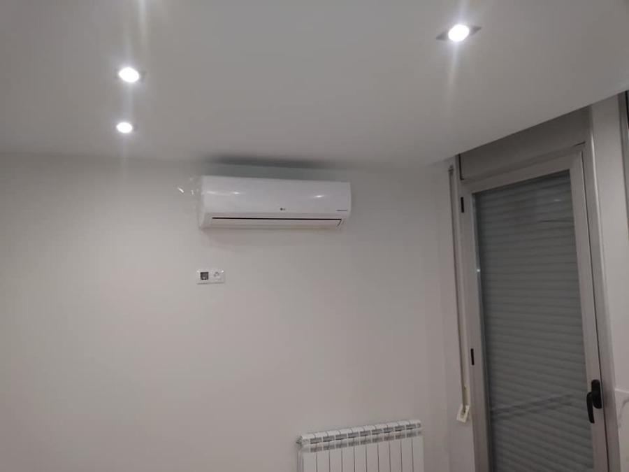 Instalación eléctrica, iluminación y aire acondicionado.