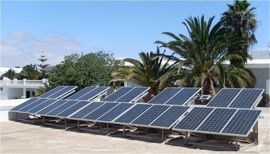 Instalación fotovoltaica de conexión a red en IES Cesar Manrique - Lanzarote.