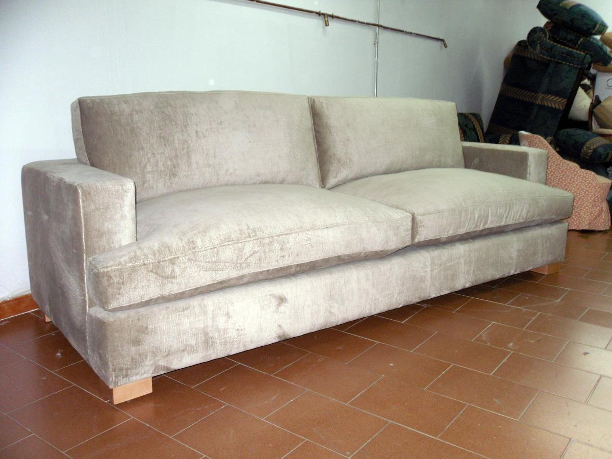 Foto Sofa Brazos Cuadrados Con Orejas De Tapicer A Juan Ngeles  # Muebles Cuadrados