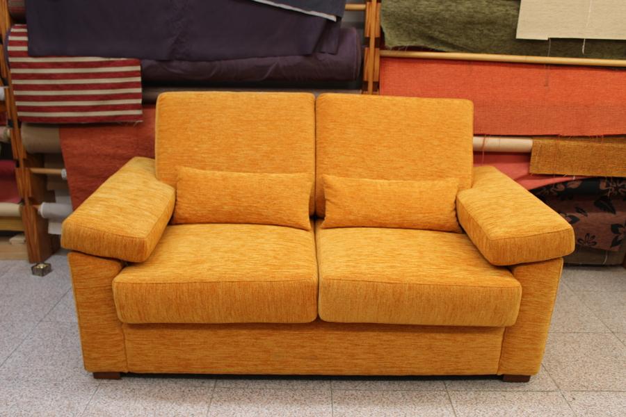 Foto sofa dos plazas de tapicer a meneses 652091 habitissimo - Tapiceros tarragona ...