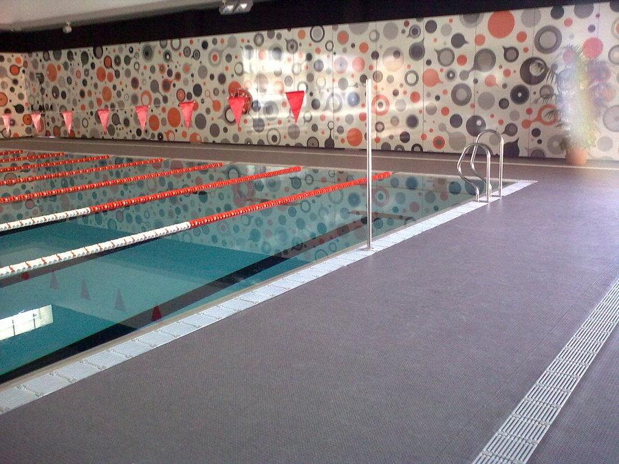 Foto suelo antideslizante pvc para piscinas pobla de for Suelos antideslizantes para piscinas