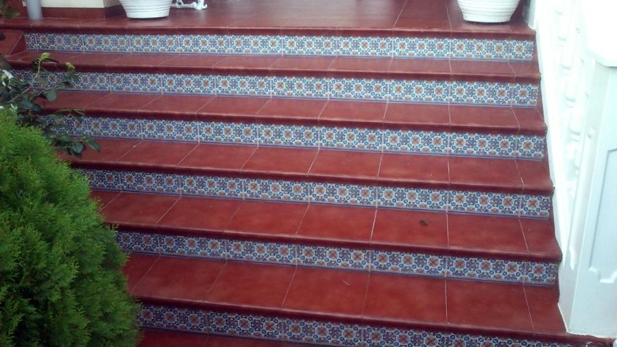 Foto suelo de gres y escaleras entrada principal de - Escaleras de gres ...