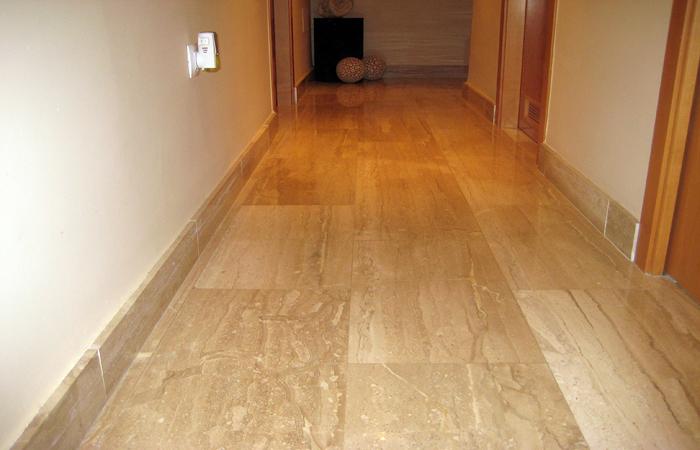 Foto suelo en marmol daino realeslide de marmoleria cruz for Cuanto esta el marmol