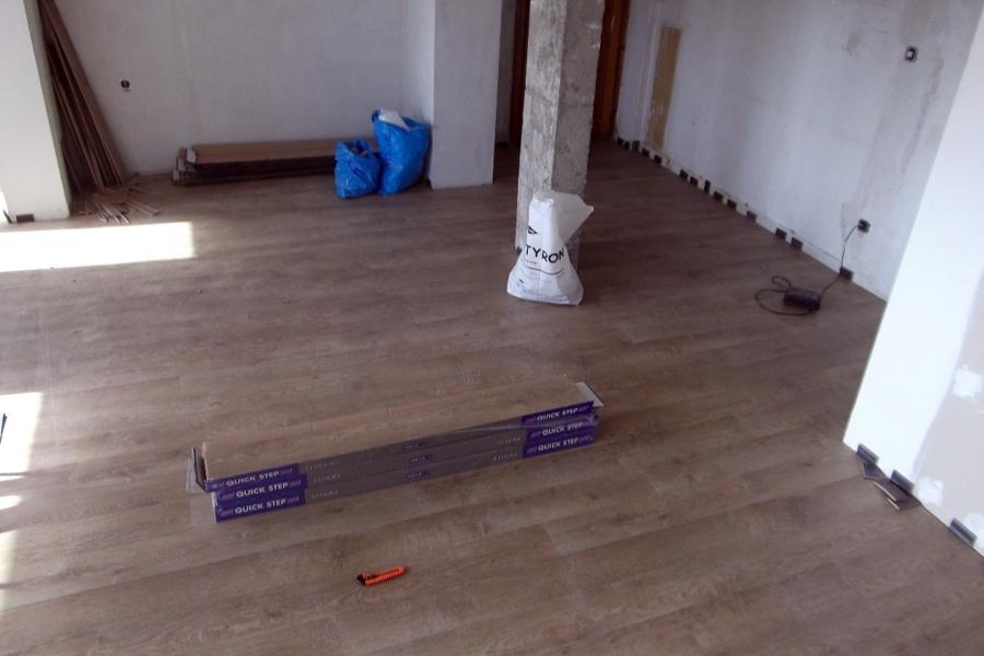 suelo laminado terminado