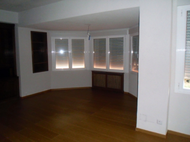 Foto suelo laminado de reforma casas 254610 habitissimo for Suelos laminados valladolid