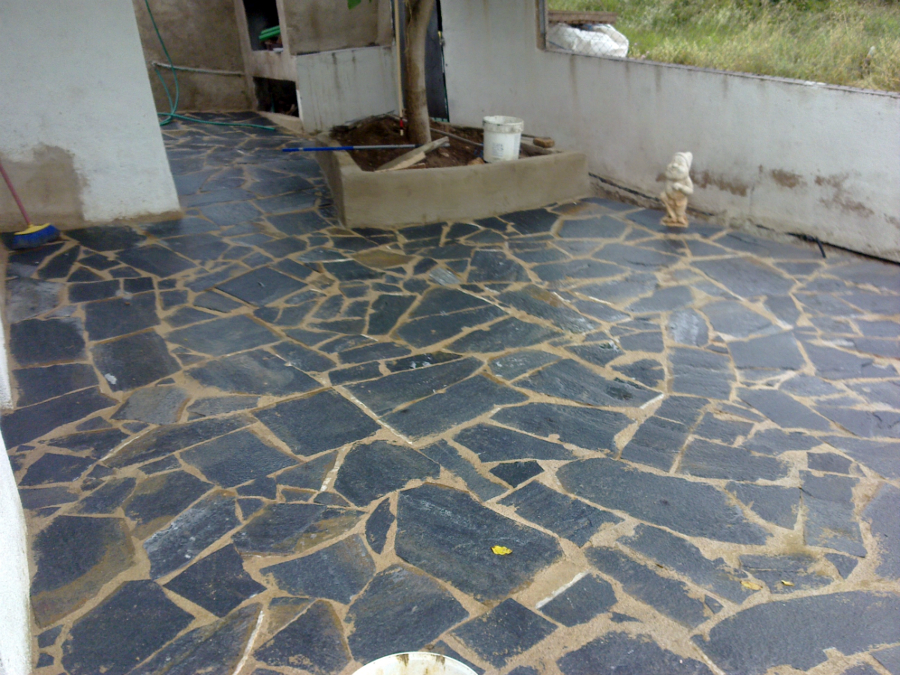 Foto suelo piedra natural en nou vendrell de refor casas - Piedra para exteriores casas ...