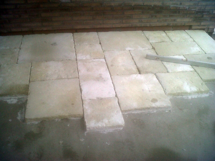 Foto suelos de baldosa imitaci n piedra natural de - Suelo piedra natural ...
