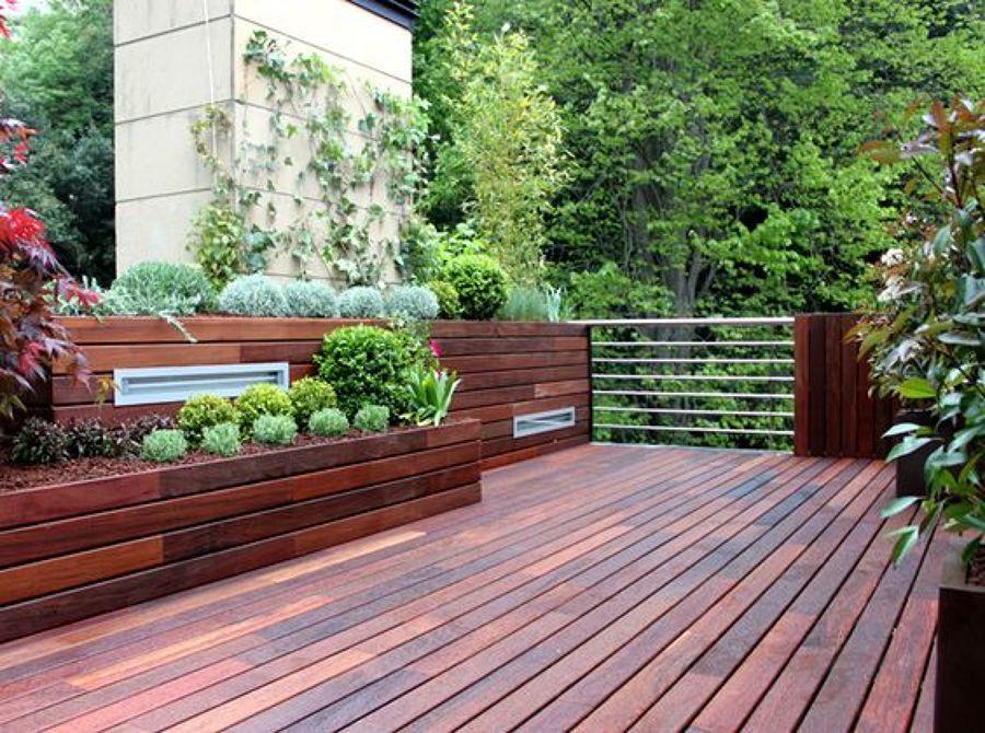 Terraza de madera tropical