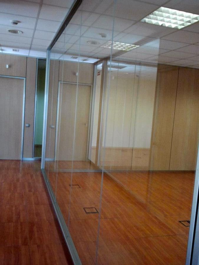 Foto tabiques de vidrio para despacho oficinas de ofix - Tabique de vidrio ...