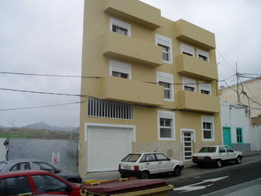 Tamaraceite Edificio de viviendas (después).JPG