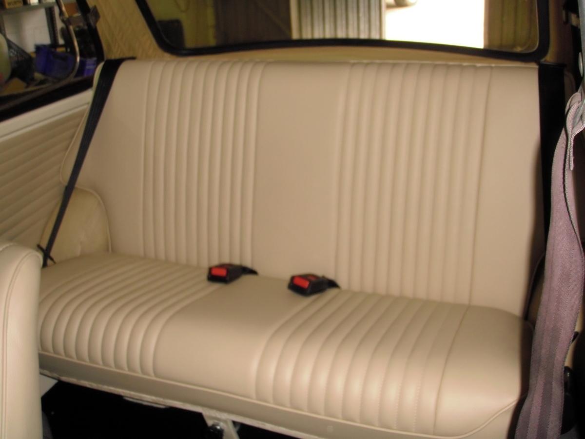 Foto tapizado asiento posterior mini de tapizados y - Tapiceros en huelva ...