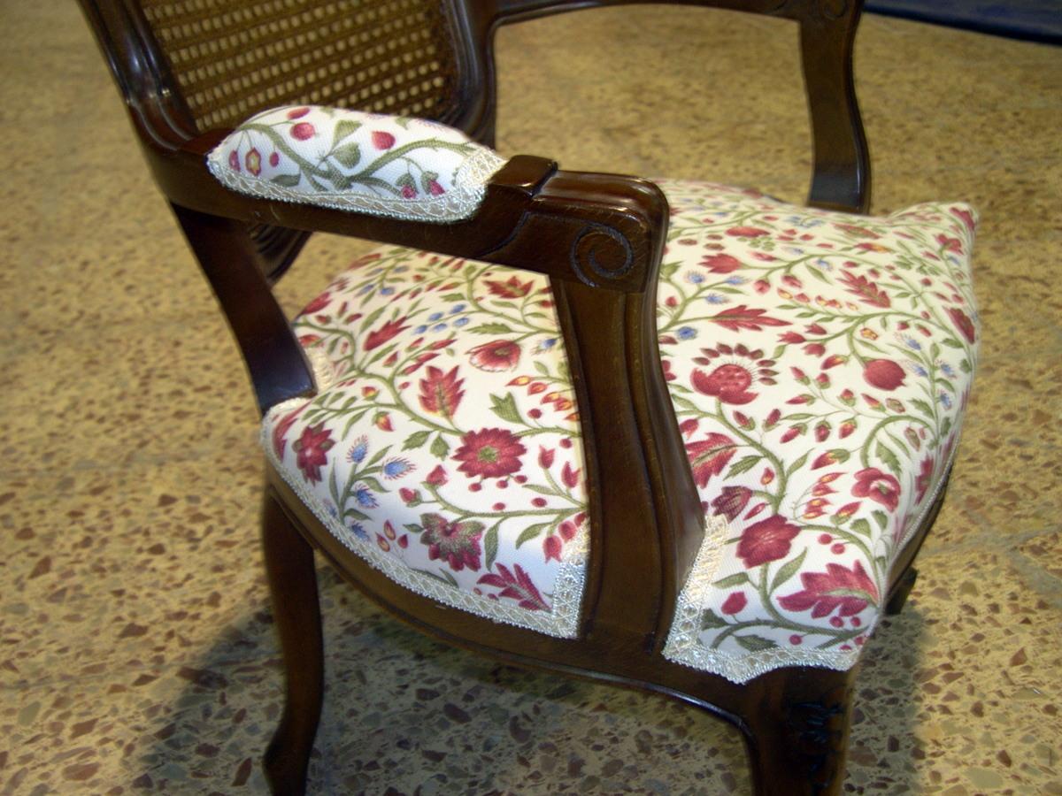 Foto tapizado de silla brazo de tapizados y fundas jb for Sillas con brazos tapizadas